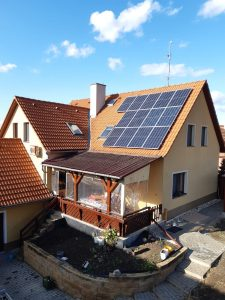Montáž fotovoltaické elektrárny 4,5 KWp, Akumulace energie do baterií